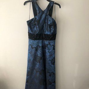 Carmen Marc Valvo INFUSION Gown w/Pockets